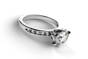 Sell an Engagement Ring in NYC to a Reputable Dealer